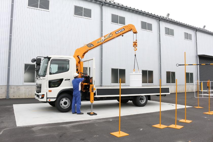 小型移動式クレーン運転技能講習 加藤製作所